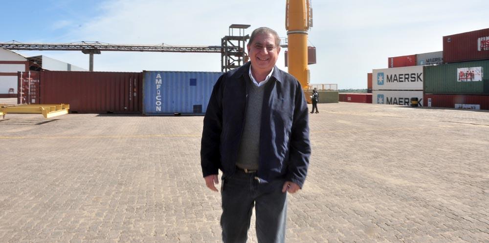 El ministro Jofré también llegó al Puerto Nuevo.