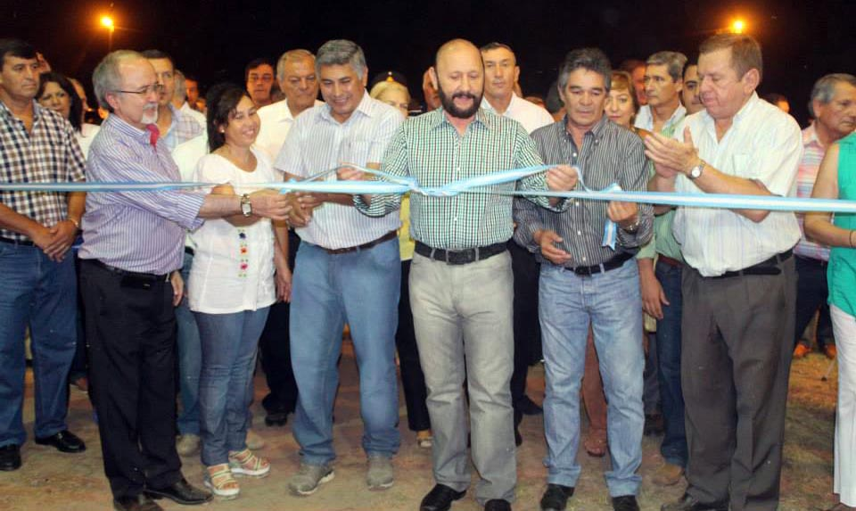 Insfrán, junto al ministro Areco y el intendente de Herradura, habilitaron el evento.