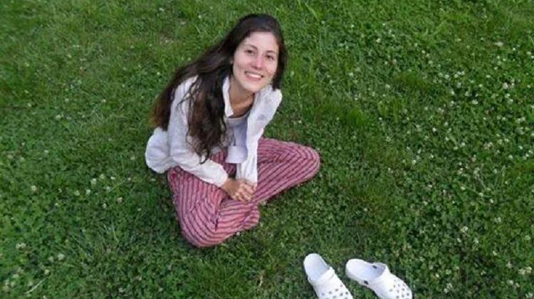 Los amigos de María Belén expresan su dolor en redes sociales.