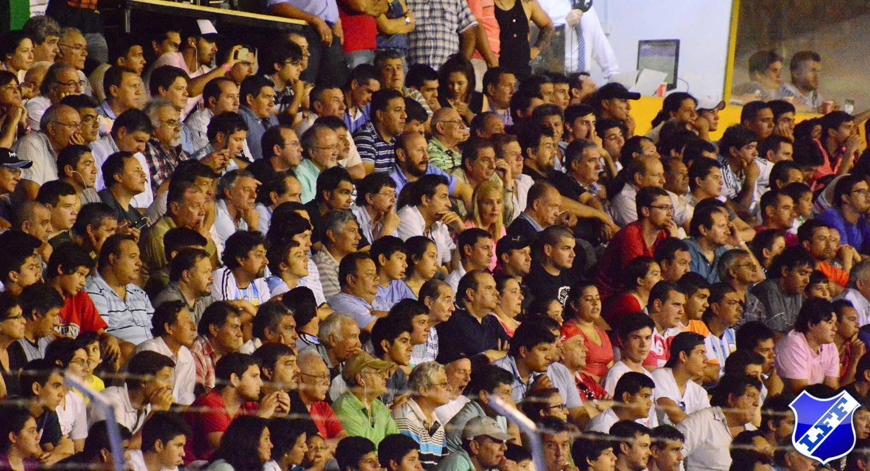 El gobernador, Jefe de Gabienete, ministros, intendente y concejales en la platea. Foto: Ariel Ramos.