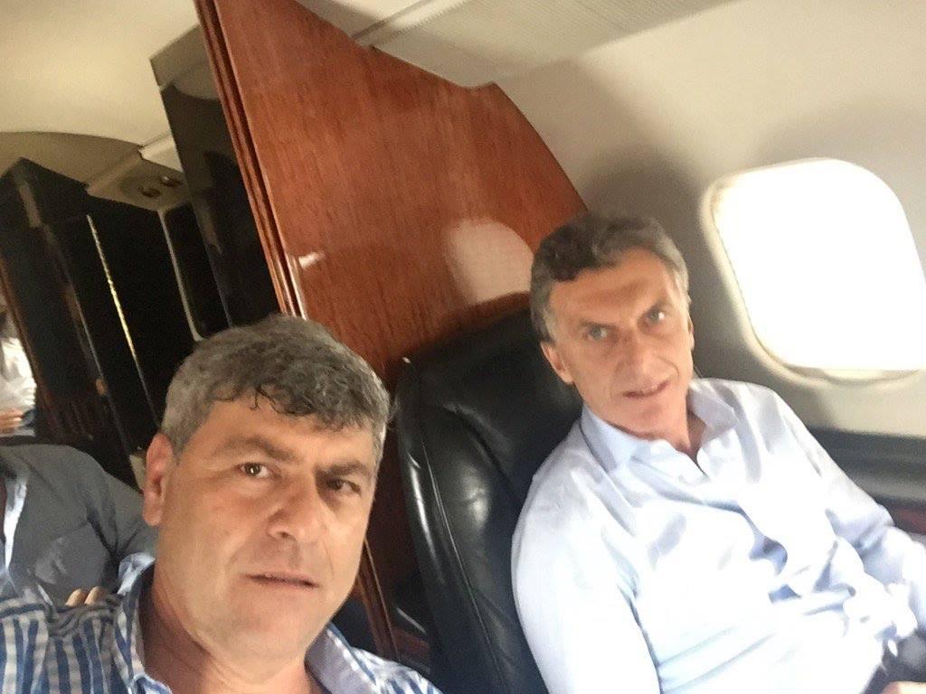 buryaile macri en el avión de macri