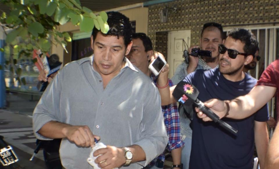 Favio Bareiro, hoy fue a los tribunales federales a charlar con su padre, su hermano y su cuñada antes de iniciar la indagatoria.
