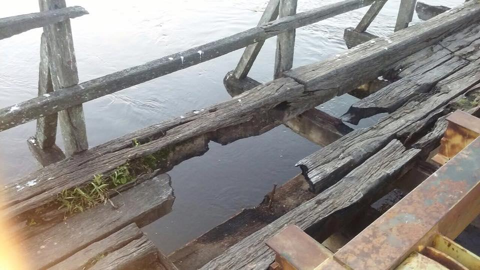 Deteriorado Puente Tatú Piré.