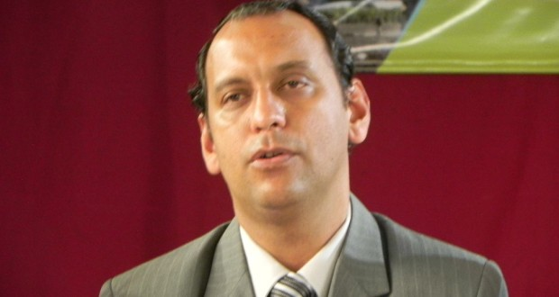 Julio Murdoch (PJ), intendente de Laguna Naineck.