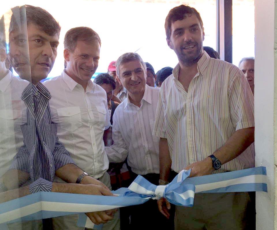 Basabilbaso, Buryaile y Leguizamón cortan las cinta de la oficina Anses Ingeniero Juárez.